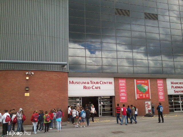 Manchester United Múzeum bejárata